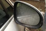 Як позбутися від «демісезонного» бруду і сльоти на бічних дзеркалах авто
