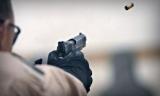В Киеве неизвестный устроил стрельбу из пистолета средь бела дня: подробности