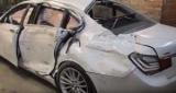 Як з купи металобрухту майстри створюють майже нову Tesla Model S - відео