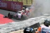 Гонщик Формули-1 потрапив в аварію і не знав, що його болід загорівся